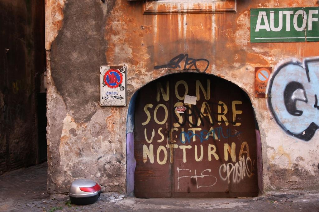 Umývanie graffiti